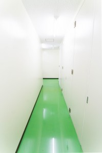 エスロッソ 工場廊下