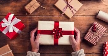 【薄毛対策】まだ間に合う!?クリスマス プレゼント にぴったりな薄毛対策グッズ5選【ハゲ予防】